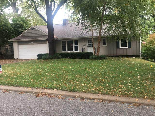 8317 Broadmoor Street, Overland Park, KS 66212 (#2351220) :: Five-Star Homes