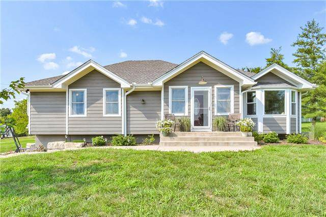 24806 E State Route 58 Highway, Pleasant Hill, MO 64080 (#2351232) :: Five-Star Homes