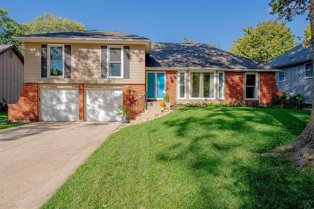 9928 Century Lane, Lenexa, KS 66215 (#2351241) :: Five-Star Homes