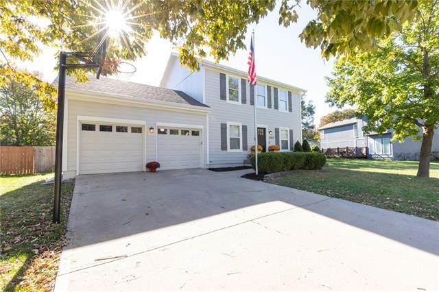 16631 W 154th Street, Olathe, KS 66062 (#2351256) :: Audra Heller and Associates