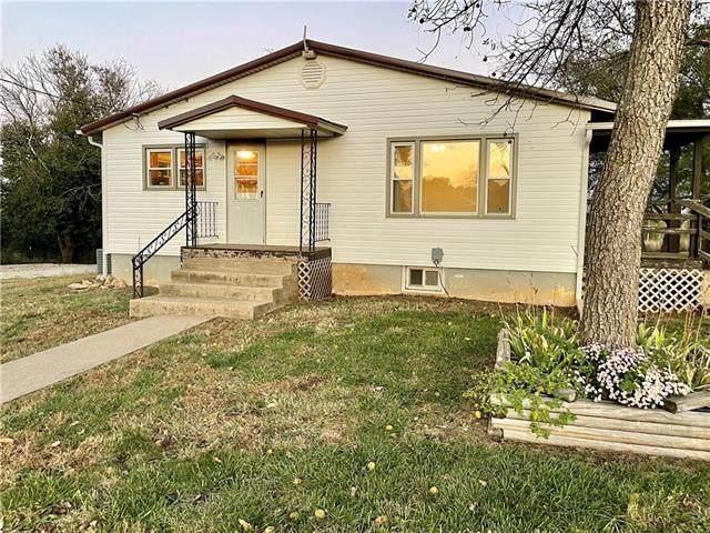3335 Rock Creek Road, Ottawa, KS 66067 (#2351257) :: Five-Star Homes