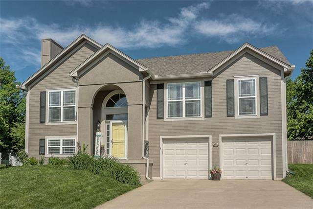 212 N Highland Drive, Raymore, MO 64083 (#2351260) :: Audra Heller and Associates