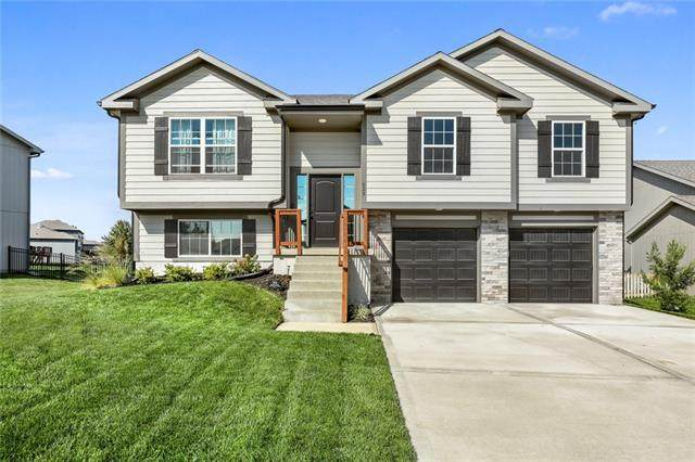 629 SE Colonial Drive, Blue Springs, MO 64014 (#2351262) :: Tradition Home Group   Compass Realty Group