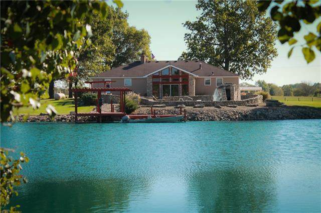 21720 S State Rte 291 Highway, Harrisonville, MO 64701 (#2351277) :: The Rucker Group