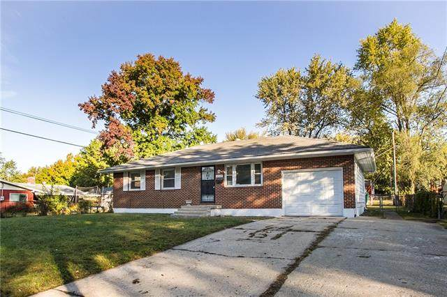 18504 E 6th N Street, Independence, MO 64056 (#2351356) :: Dani Beyer Real Estate
