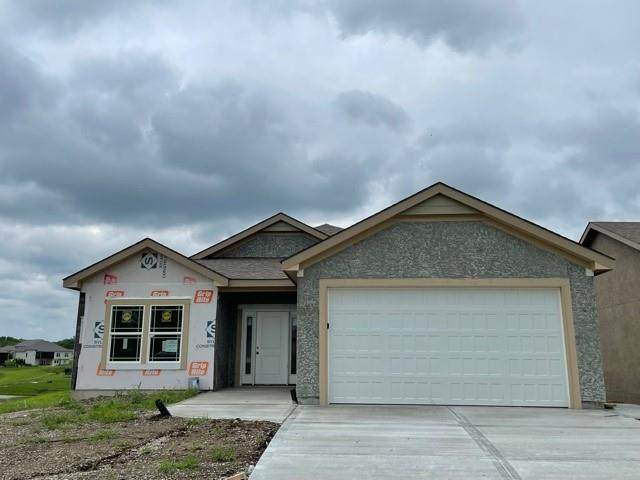 2120 Greenfield Point, Kearney, MO 64060 (#2351357) :: Audra Heller and Associates
