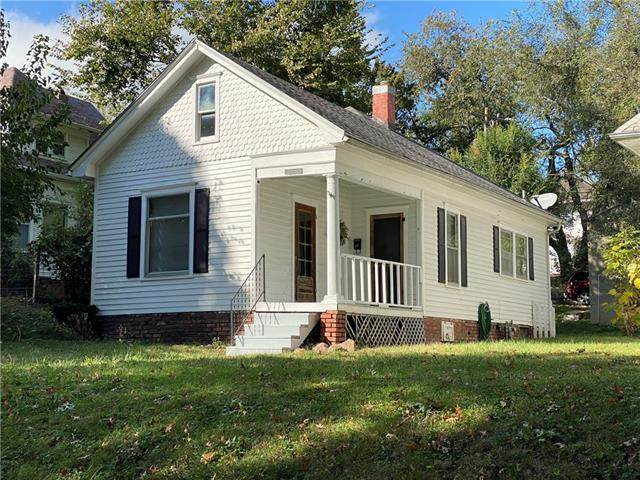 2211 Doniphan Avenue, St Joseph, MO 64507 (#2351368) :: Five-Star Homes
