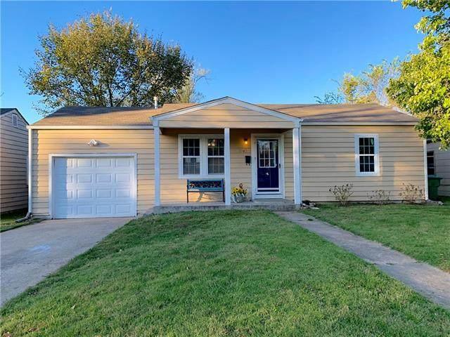1742 Main Street Terrace, Osawatomie, KS 66064 (#2351373) :: Five-Star Homes