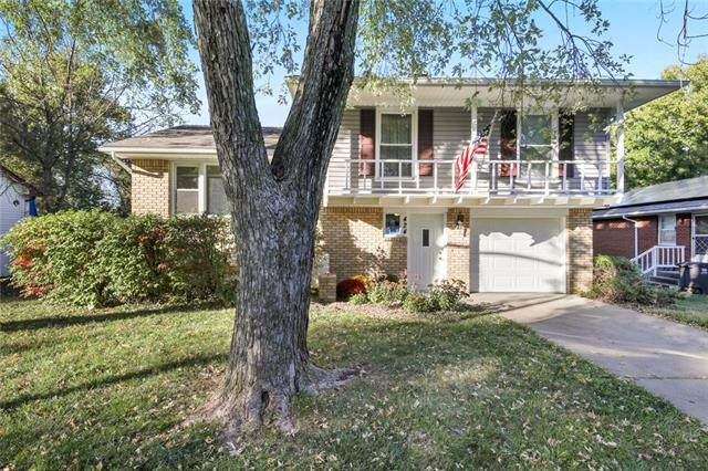 424 Mark Avenue, Independence, MO 64050 (#2351387) :: Five-Star Homes
