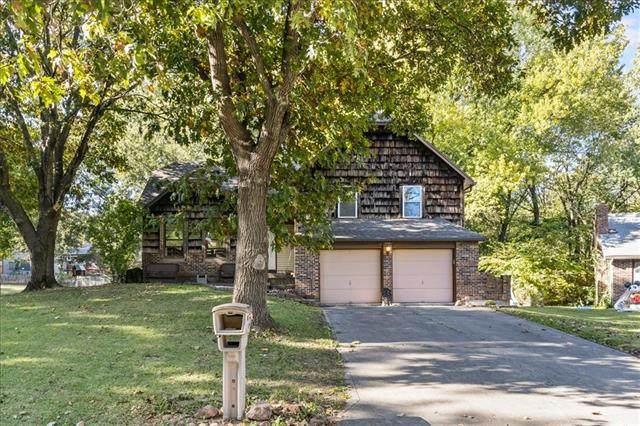 220 Valley Drive, Lansing, KS 66043 (#2351392) :: Five-Star Homes