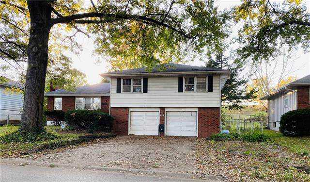 3324 S Hocker Avenue, Independence, MO 64055 (#2351396) :: Five-Star Homes
