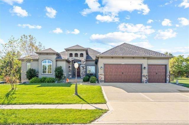 2111 Chateau Place, Raymore, MO 64083 (#2351412) :: Audra Heller and Associates