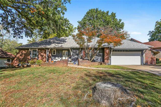 11124 E 85th Street, Raytown, MO 64138 (#2351479) :: Tradition Home Group | Compass Realty Group