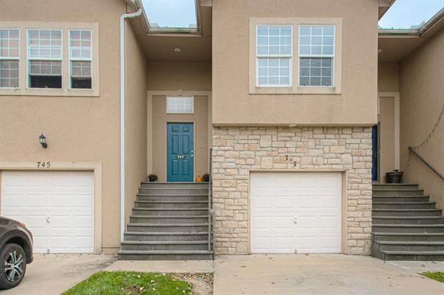 747 Woodson Lane, Gardner, KS 66030 (#2351502) :: Five-Star Homes