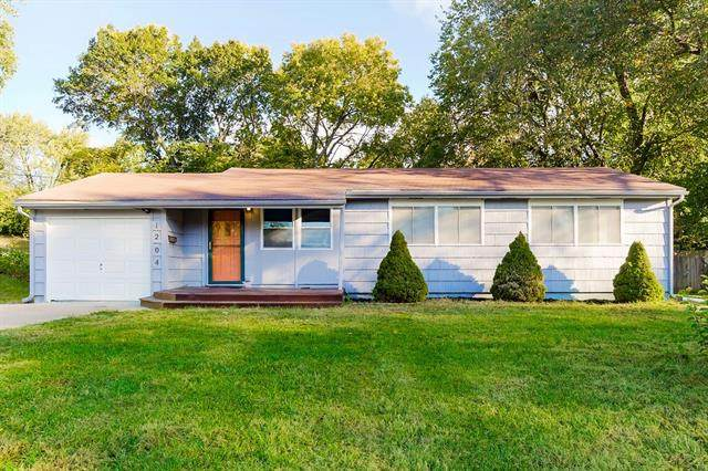 1204 NE 62nd Street, Gladstone, MO 64118 (#2351516) :: Tradition Home Group   Compass Realty Group