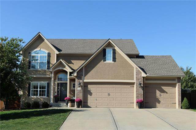 110 S Eastglen Drive, Raymore, MO 64083 (#2351553) :: Dani Beyer Real Estate