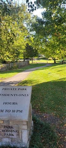 11441 King Lane, Overland Park, KS 66210 (#2351564) :: Five-Star Homes