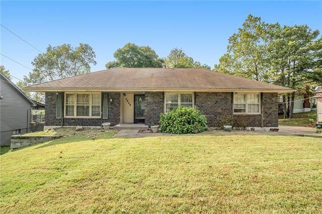 5908 NW Harris Drive, Kansas City, MO 64152 (#2351603) :: Five-Star Homes