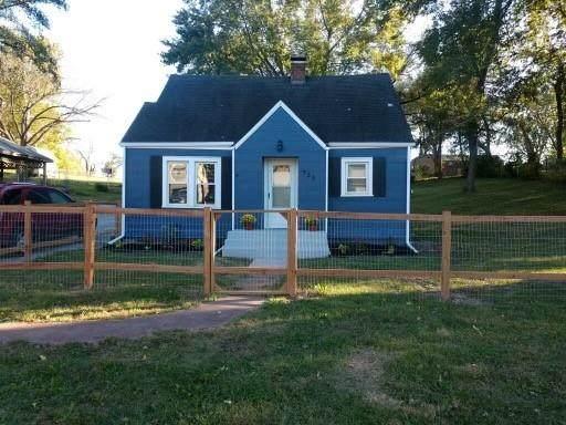 725 NE Russell Road, Kansas City, MO 64116 (#2351620) :: Five-Star Homes