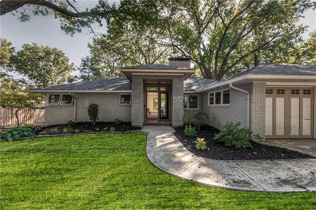2811 W 90th Street, Leawood, KS 66206 (#2351724) :: Ron Henderson & Associates