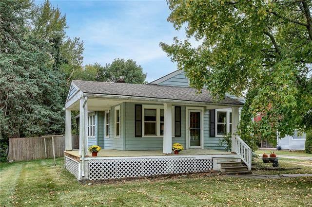 711 Cedar Street W, Olathe, KS 66061 (MLS #2351746) :: Stone & Story Real Estate Group