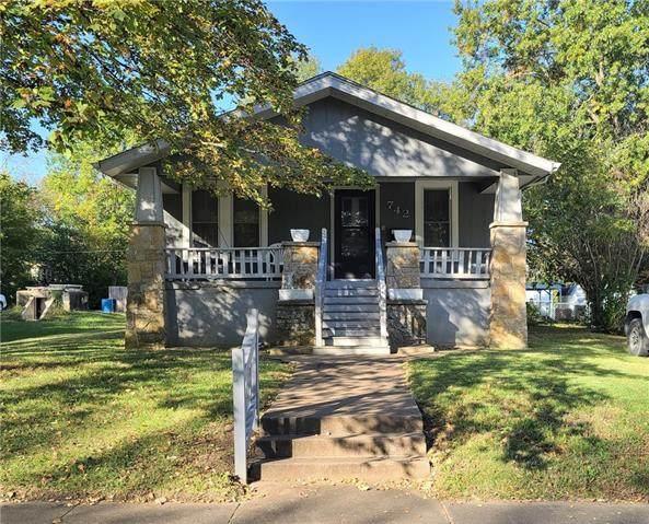 742 Horton Street, Fort Scott, KS 66701 (MLS #2351804) :: Stone & Story Real Estate Group