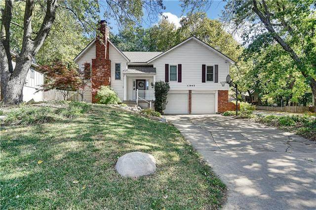 13945 Tomahawk Drive, Olathe, KS 66062 (#2351812) :: Five-Star Homes