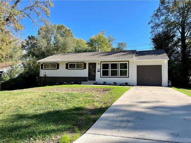 11105 Bristol Terrace, Kansas City, MO 64134 (MLS #2351822) :: Stone & Story Real Estate Group