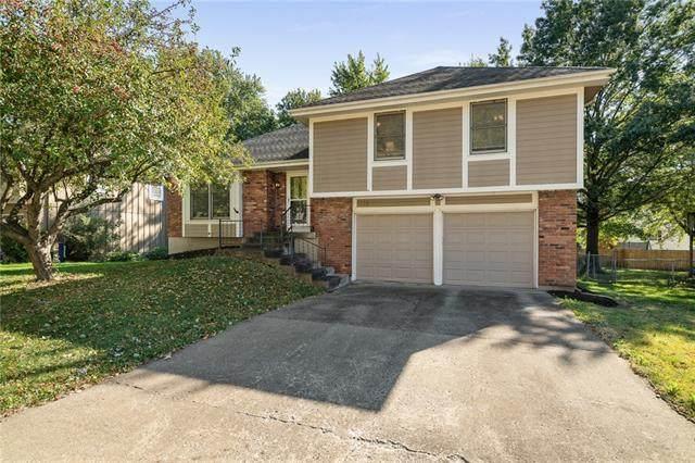 1005 E Layton Drive, Olathe, KS 66061 (#2351931) :: Five-Star Homes