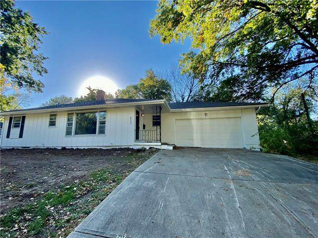 8604 E 84th Terrace, Raytown, MO 64138 (#2352009) :: Five-Star Homes