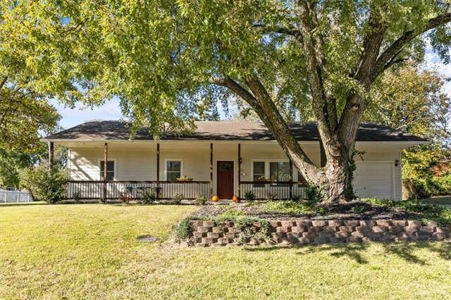 16 Brookside Drive, Paola, KS 66071 (#2352012) :: Five-Star Homes