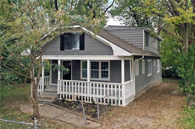 1226 S Maywood Avenue, Independence, MO 64052 (#2352032) :: Eric Craig Real Estate Team
