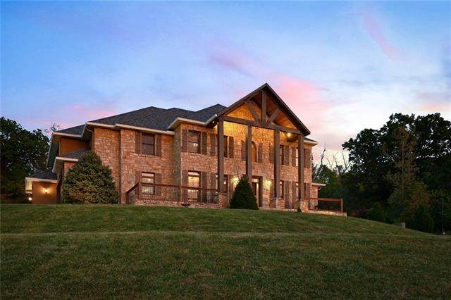 9701 S Perdue Road, Grain Valley, MO 64029 (#2352035) :: The Rucker Group