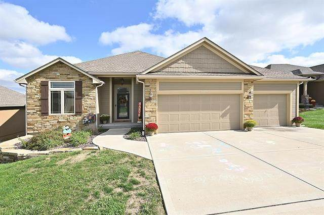 12235 Belmont Drive, Platte City, MO 64079 (#2352103) :: The Rucker Group