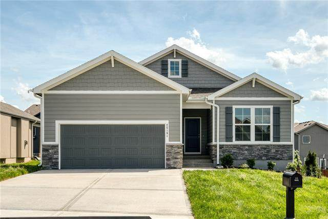 1552 SW Arborpark Terrace, Lee's Summit, MO 64082 (#2352114) :: The Rucker Group