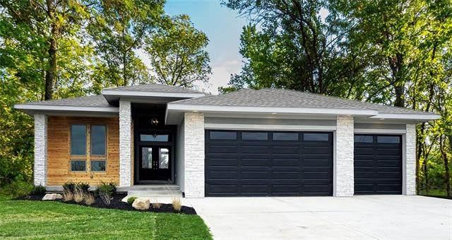 9559 Landon Street, Lenexa, KS 66227 (#2352155) :: Ron Henderson & Associates