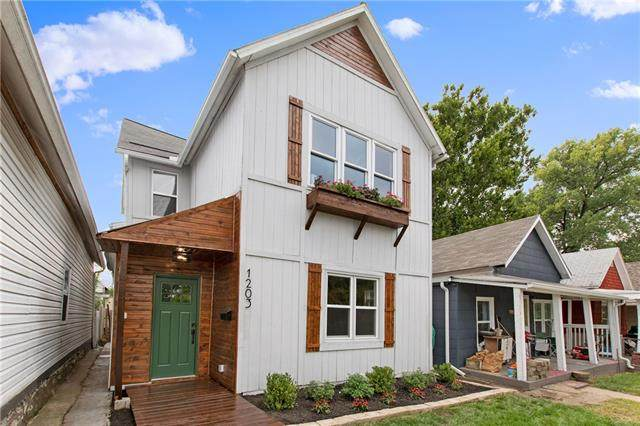 1203 W 20 Terrace, Kansas City, MO 64108 (#2352165) :: Audra Heller and Associates
