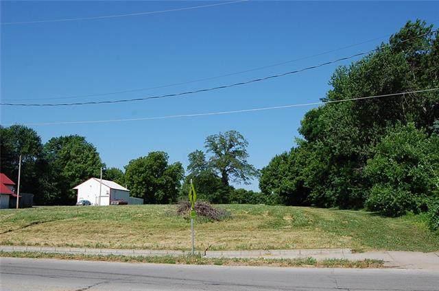 2200 Maple Avenue, Leavenworth, KS 66048 (#2352199) :: Dani Beyer Real Estate