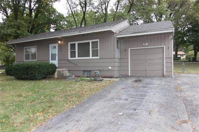 8020 Greeley Avenue, Kansas City, KS 66109 (#2352209) :: Audra Heller and Associates