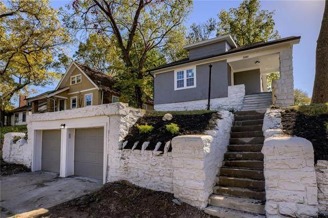 3841 E 59th Street, Kansas City, MO 64130 (#2352217) :: Audra Heller and Associates
