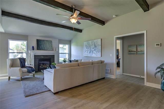 3221 N 109 Place, Kansas City, KS 66109 (#2352224) :: Team Real Estate