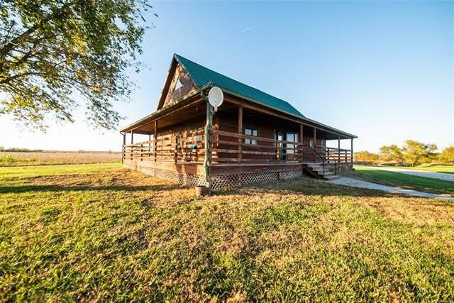 30773 NE 1430 Road, Garnett, KS 66032 (#2352266) :: Dani Beyer Real Estate