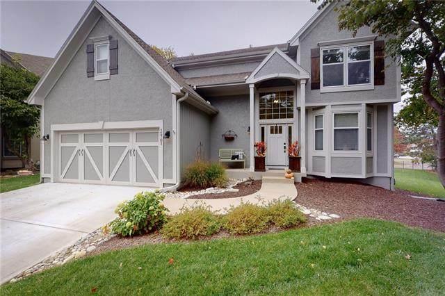 12701 Woodward Street, Overland Park, KS 66213 (#2352270) :: Dani Beyer Real Estate