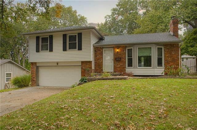 8902 W 71 Terrace, Merriam, KS 66204 (#2352414) :: Eric Craig Real Estate Team