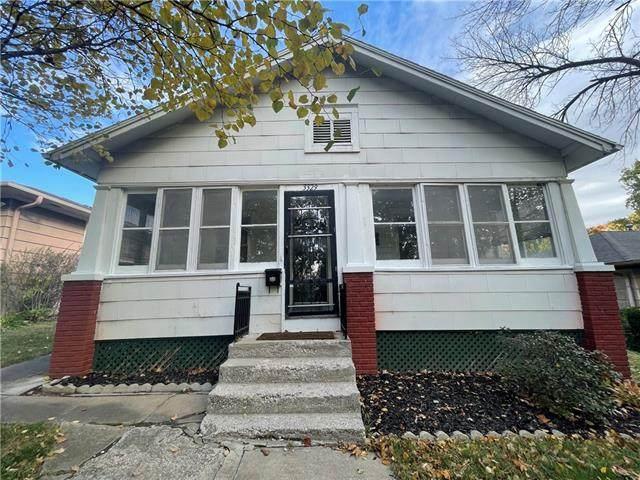 3329 Duncan Street, St Joseph, MO 64507 (MLS #2352443) :: Stone & Story Real Estate Group