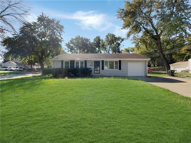 301 W Colonel Drive, Independence, MO 64050 (#2352531) :: Eric Craig Real Estate Team