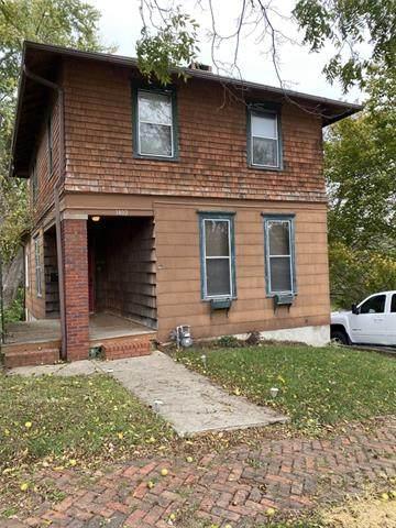 1402 N 13th Street, St Joseph, MO 64501 (MLS #2352557) :: Stone & Story Real Estate Group