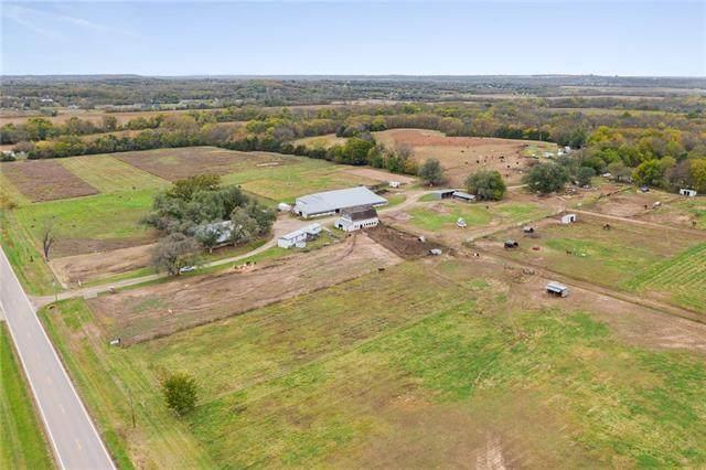 1676 N 1000 Road, Lawrence, KS 66046 (MLS #2352612) :: Stone & Story Real Estate Group