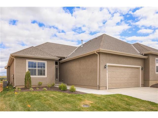 21971 W 116th Terrace, Olathe, KS 66061 (#1931993) :: The Shannon Lyon Group - Keller Williams Realty Partners