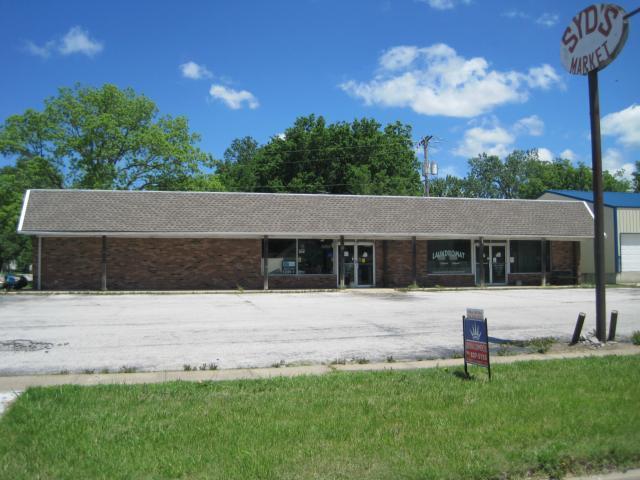 602 Market Street, Lacygne, KS 66040 (#1940378) :: Char MacCallum Real Estate Group